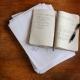 Met te veel uitleg in je verhaal loop je het risico je lezer te vervelen.